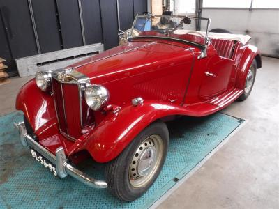 1952 MG TD 1952 red
