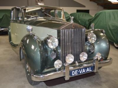 1949 Rolls - Royce Silver Wraith / James Young