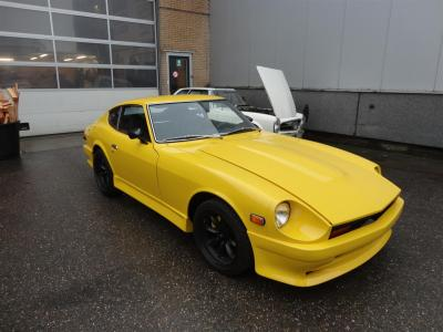 1970 Datsun 240Z bright yellow